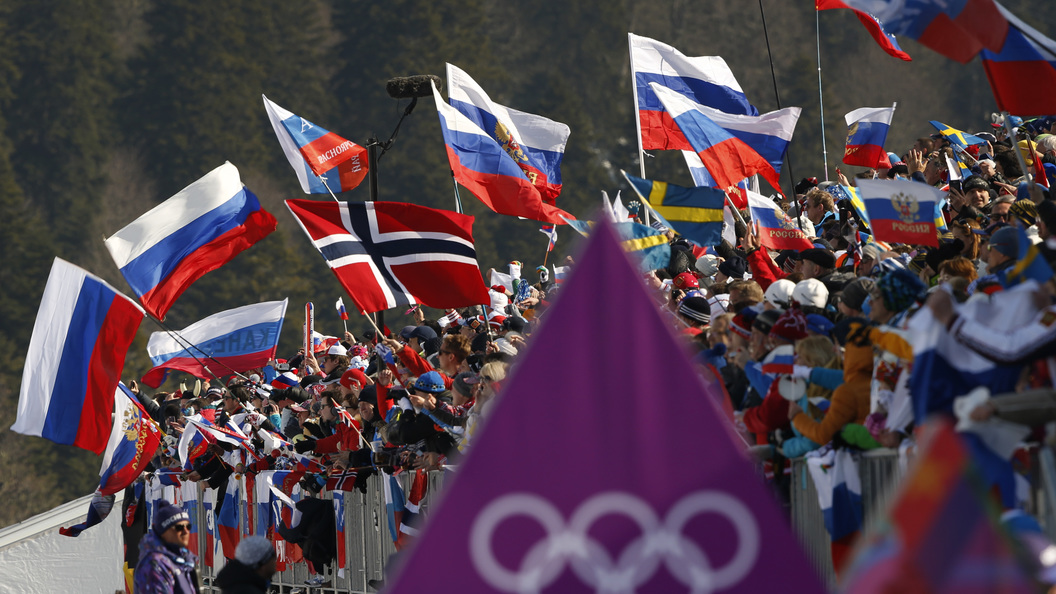 МОК может разрешить олимпийцам пройти под флагом РФ назакрытии Игр— Инсайдеры