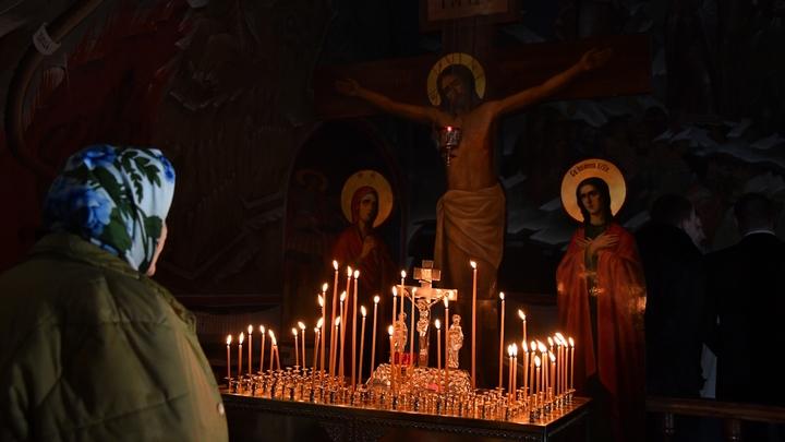 Старинная икона XVIII века Божией Матери Знамение замироточила в разгар эпидемии коронавируса