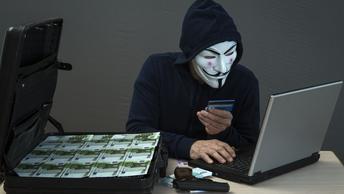 Министр обороны Германии признала кибератаки опаснее ИГИЛ