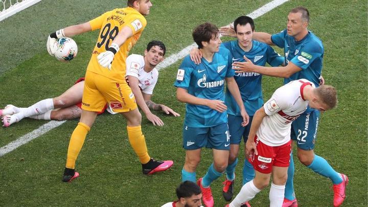 Страусы, крысы и белка: Топ-5 громких скандалов в российском футболе