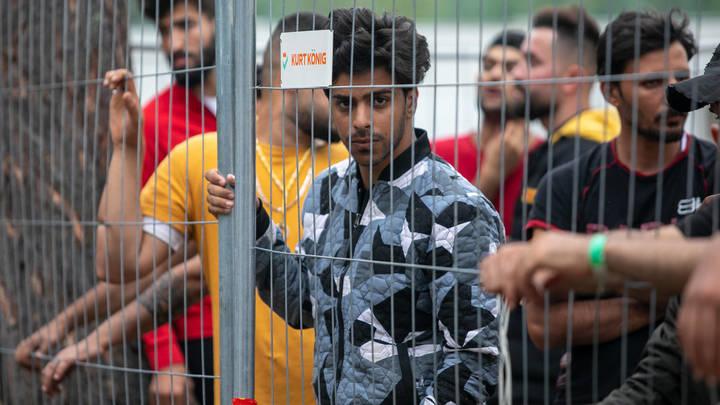 Побег из концлагеря в Литве: Мигранты взломали забор и выбрались наружу