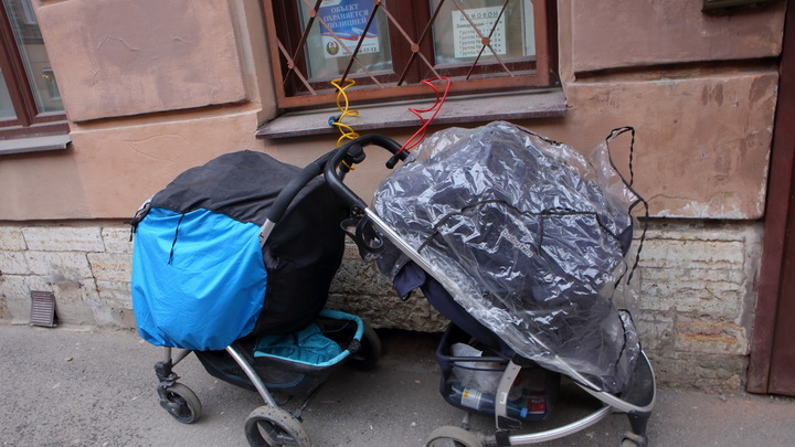 В школу соберут и с жильём помогут: Чиновники вспомнили о нуждах семьи из Оренбурга после скандала