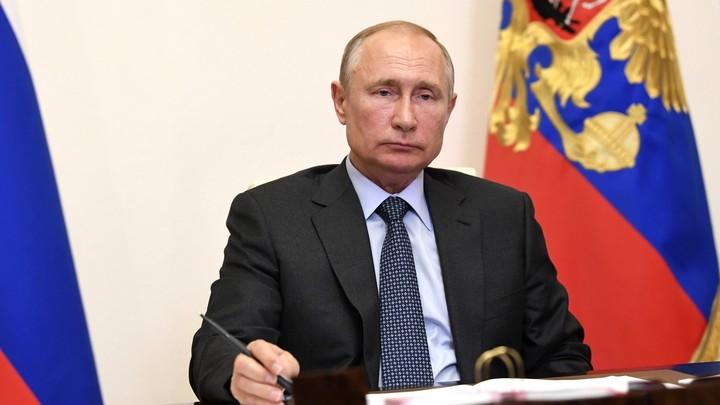 Жизнь находится в опасности: Ручка Путина и меткий бросок вновь в зоне внимания журналистов