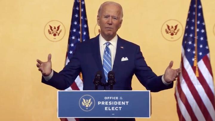 При пересчёте голосов в США упал сервер. Байден больше не президент?