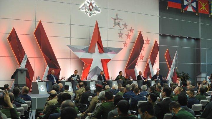 В ролике Цимбалюк рассказывает о поддержке американцами Украины, обещая скорую «перемогу». В доказательство пропагандист приводит подрывную деятельность