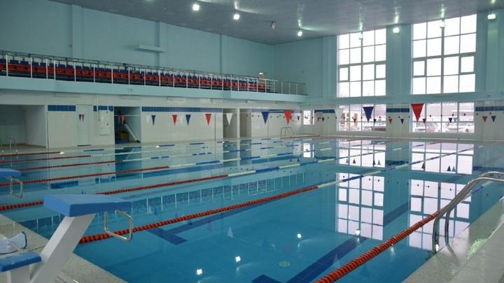 Не могли достроить восемь лет: В Крымском районе завершили спорткомплекс с бассейном
