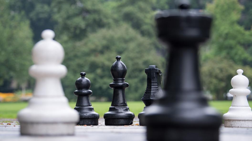 ФИДЕ требует немедленной отставки своего главы из-за американских санкций