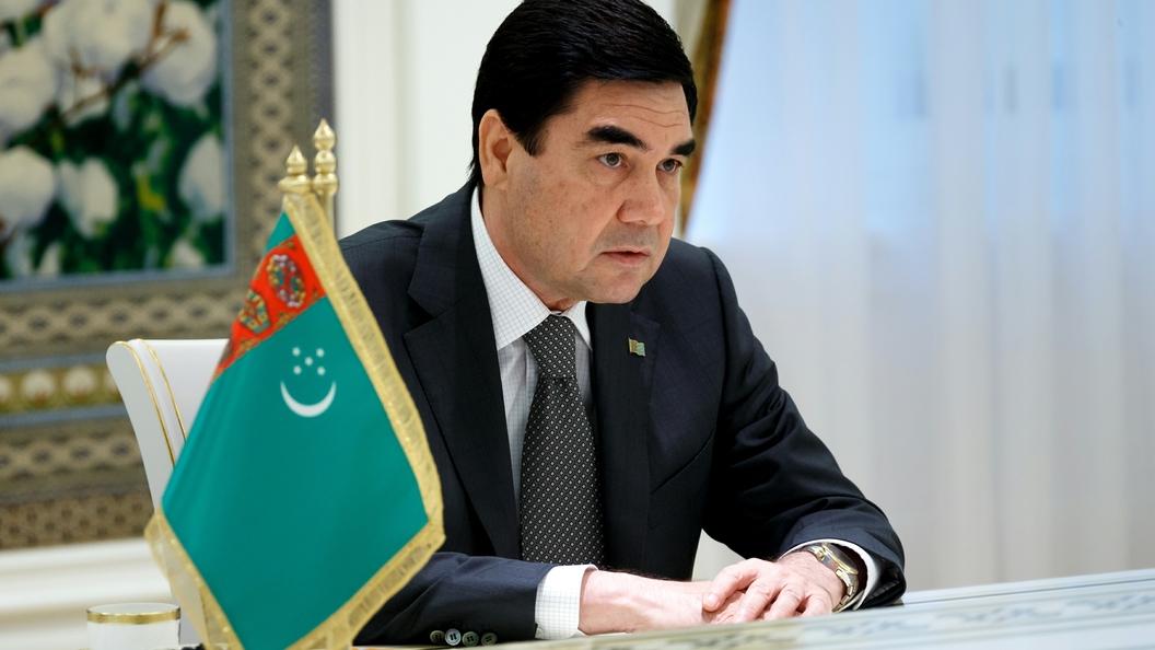 Путин наградил орденом президента Туркменистана