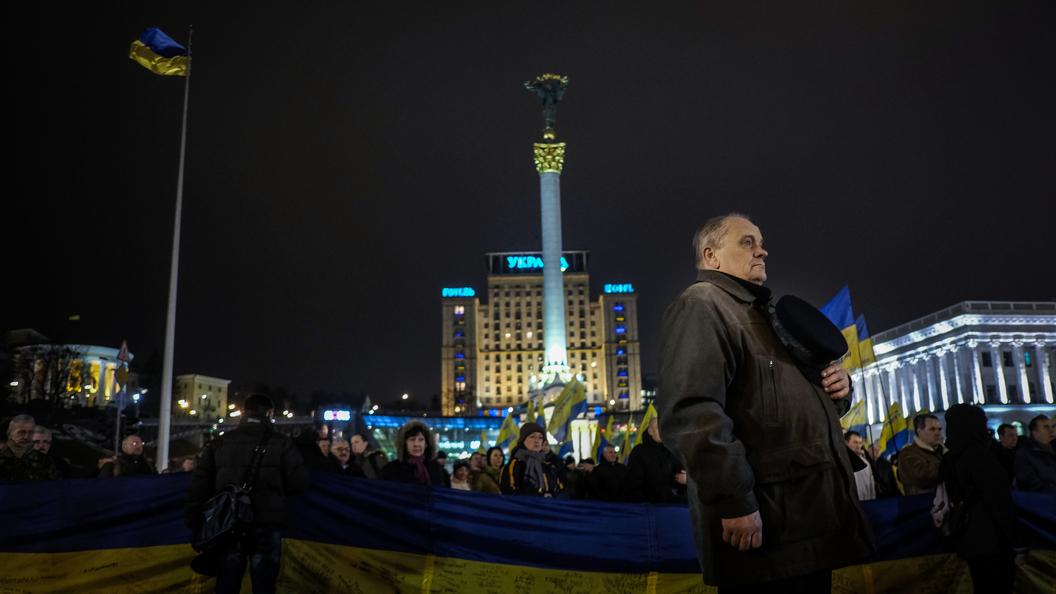 Адвокаты Януковича на суде показали видео стрельбы радикалов по полиции на Майдане