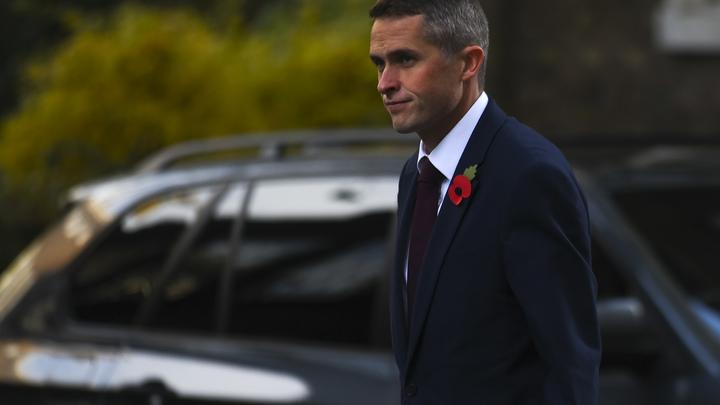 Новый министр обороны Великобритании начал работу с угроз в адрес России