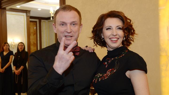 Она надёжный парень: Сенчукова и Рыбин пошутили об Оксане Фёдоровой и призвали помалкивать
