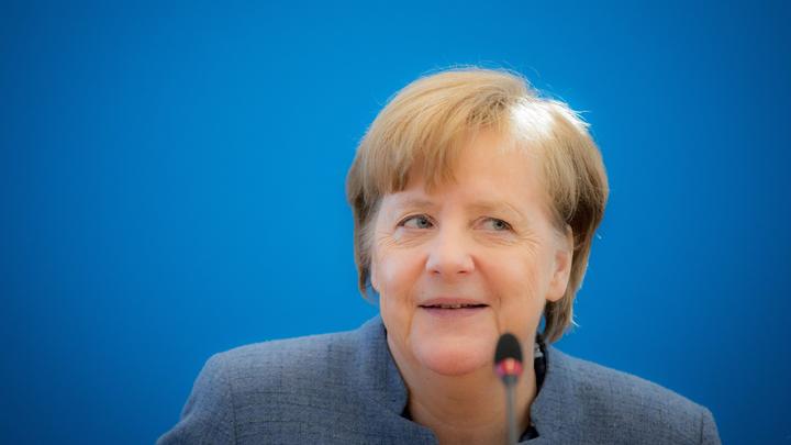 Телеграмма дошла: Меркель поздравила Путина с победой на выборах