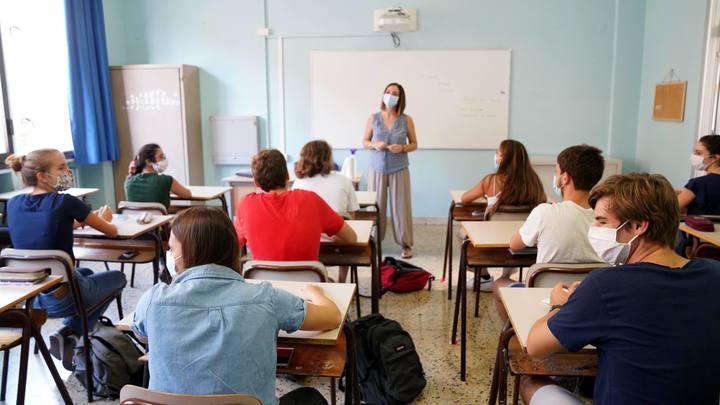 Родители смогут повлиять на изучение второго иностранного в школах - Минпросвещения