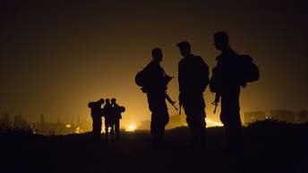 Минобороны: Охрану авиабазы Хмеймим в Сирии усилили