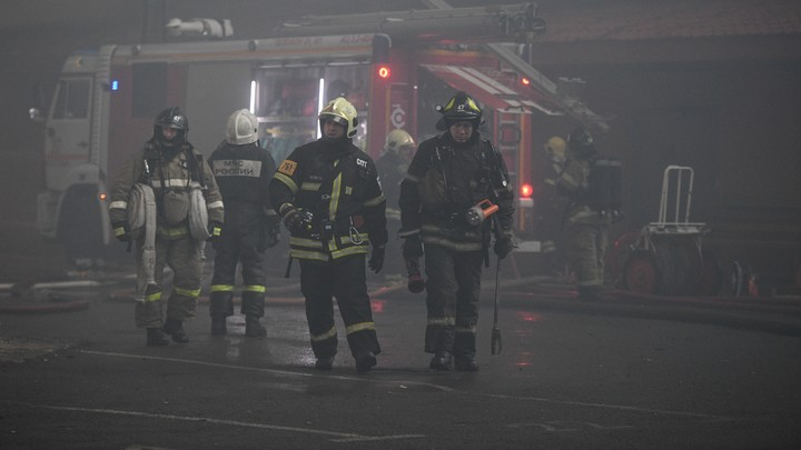 В Кургане на пепелище заброшенного дома нашли три трупа