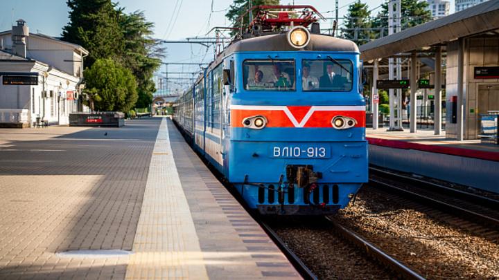 В Сочи встретили первый рейс ретро-поезда Туапсе-Гагра