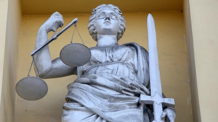 Ревность свела с ума: в Челябинске судят женщину, заказавшую соперницу