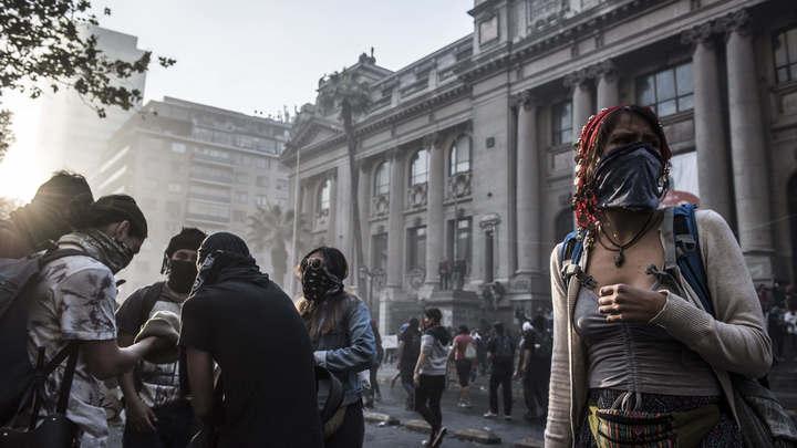 В любой непонятной ситуации вали на Россию: Госдеп нашел объяснение продолжающимся протестам в Чили