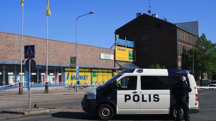 Машина протаранила толпу пешеходов в Хельсинки