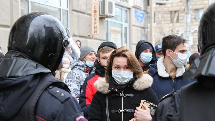 Ни газа, ни гранат: В МВД рассказали правду о произошедшем на Сенной площади