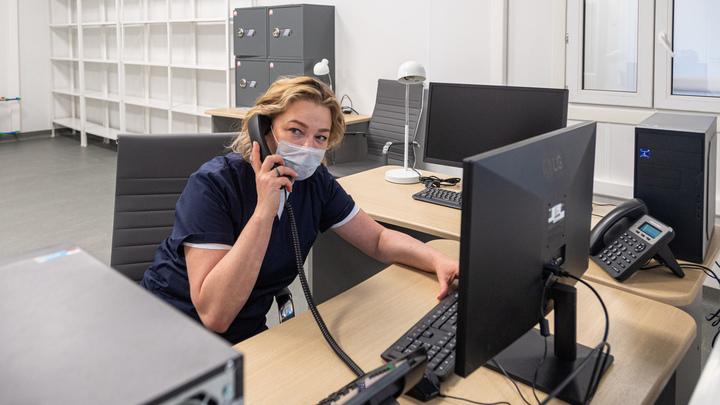 Позвонить в больницы, где работают с коронавирусом теперь можно бесплатно
