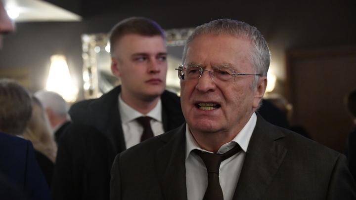 Ждем просветленного: Скабеева пошутила над обрядом изгнания нечисти из Жириновского
