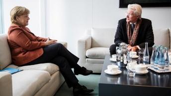 Свидание Меркель с Ричардом Гиром прошло под знаком Тибета - фото