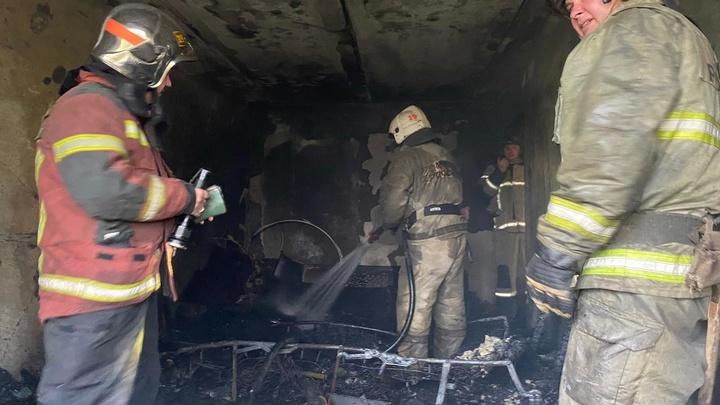 Названа версия пожара со взрывом в пятиэтажке в Екатеринбурге