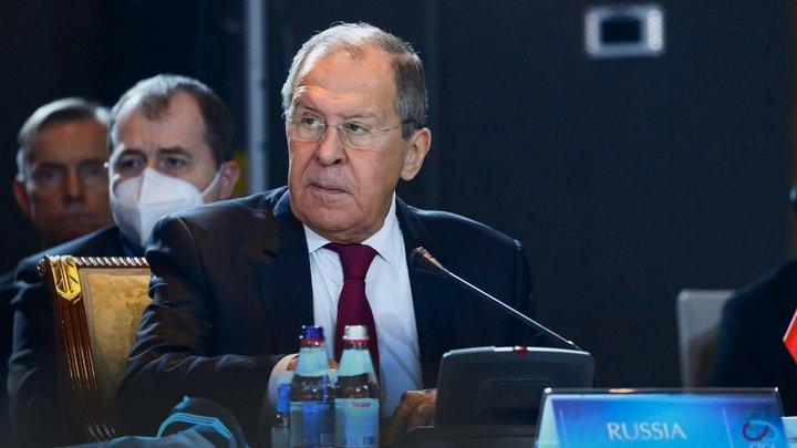 Лавров: США и ЕС запрещают президенту Молдовы иметь нормальные отношения с Россией