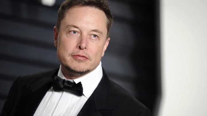 Очевидцы увидели Tesla Model S в тоннеле