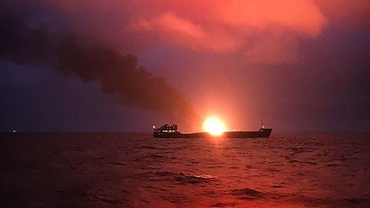 Пожар на двух танкерах: Пострадает ли экология Чёрного моря?