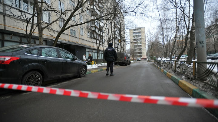 В Москве на Трубной обвалилась часть дома