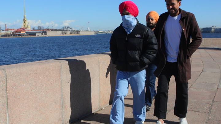 Коронавирус в Санкт-Петербурге на 12 апреля: питание индусов на карантине и рост активности болезни