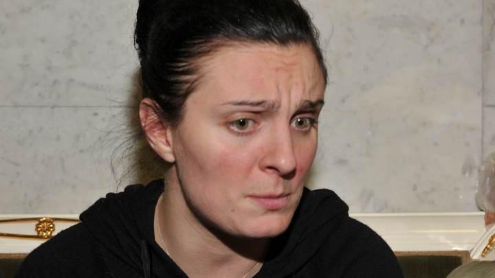 Снова стою одна...: Елена Ваенга лишилась жилья в Петербурге