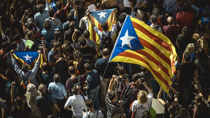 Власти Испании назвали независимость Каталонии несбыточной
