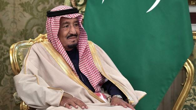 Много шума из-за полета «шмеля»: Дворец короля Саудовской Аравии атаковала игрушка