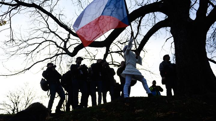 В вопросе генконсульств Прага оглянулась на Москву: Пока никаких шагов