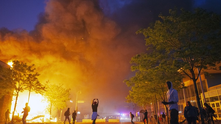 Кто и зачем спланировал погромы в США? Манукян указал на главных подозреваемых