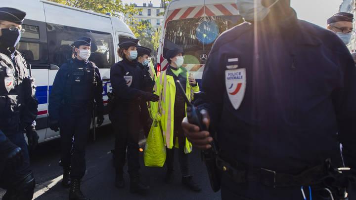 Францию захлестнула волна насилия. Сразу в нескольких городах произошла стрельба