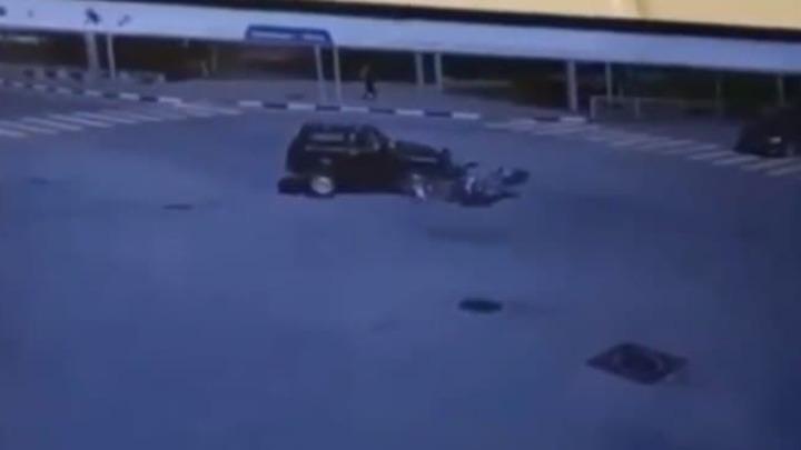 В Ростовской области байкер протаранил на скорости Нивуи оказался в больнице
