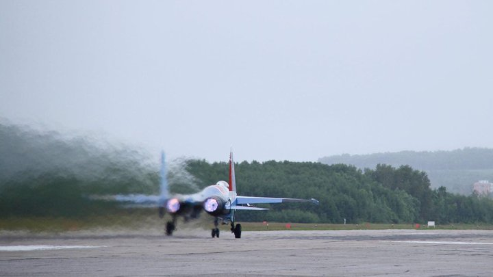 Русских и американцев продолжают сталкивать лбами в Сирии: Су-35 перехватил ещё один F-35