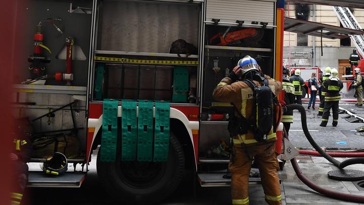 Спасли более 300 человек: В московской гостинице произошёл пожар