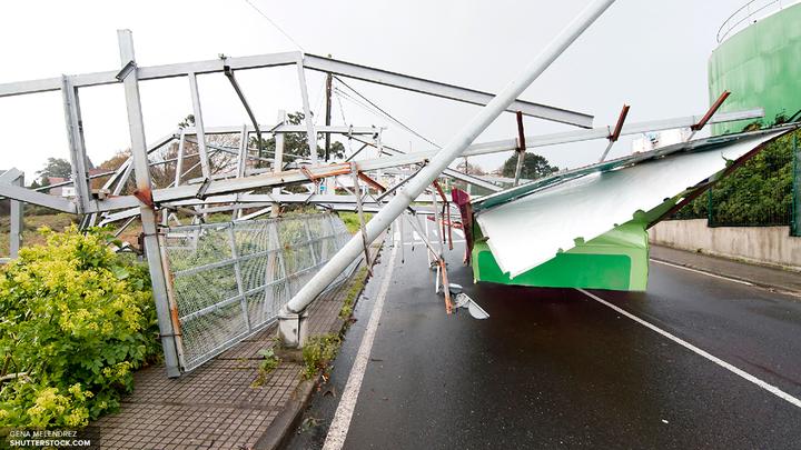 Ураган оставил без света более 18 тысяч человек