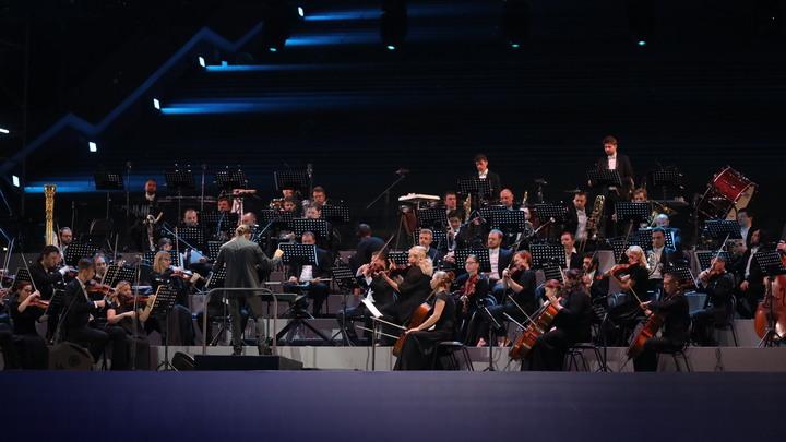 В Нижнем Новгороде открыли Чкаловскую лестницу под музыку симфонического оркестра Мариинки