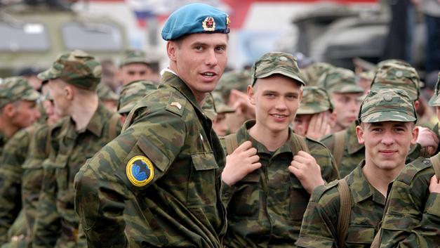 В России завершился весенний военный призыв: итоги и результаты