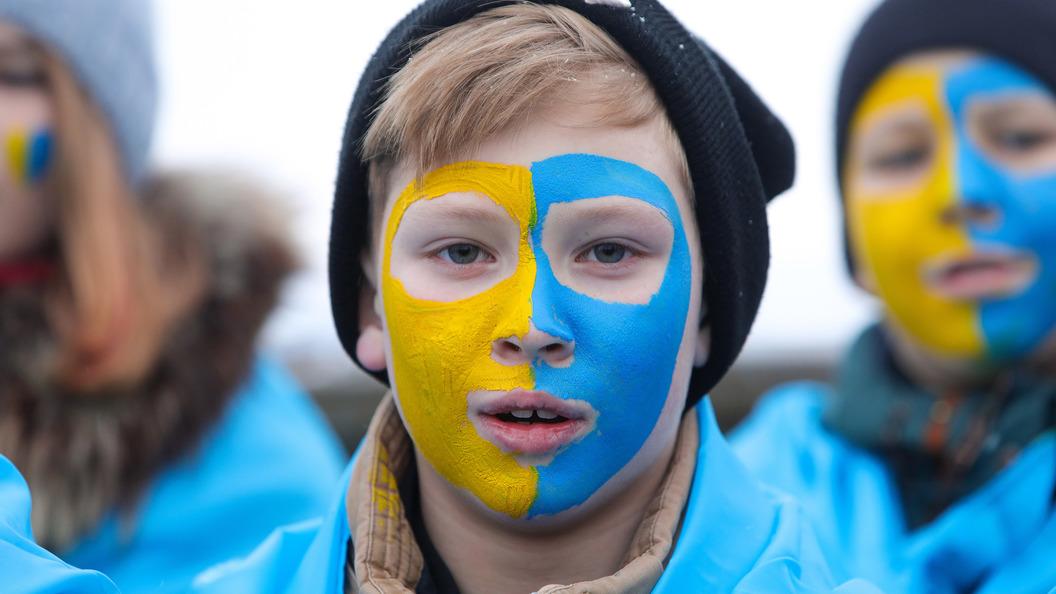 В предыдущем году границу сРоссией пересекли неменее 4 млн украинцев