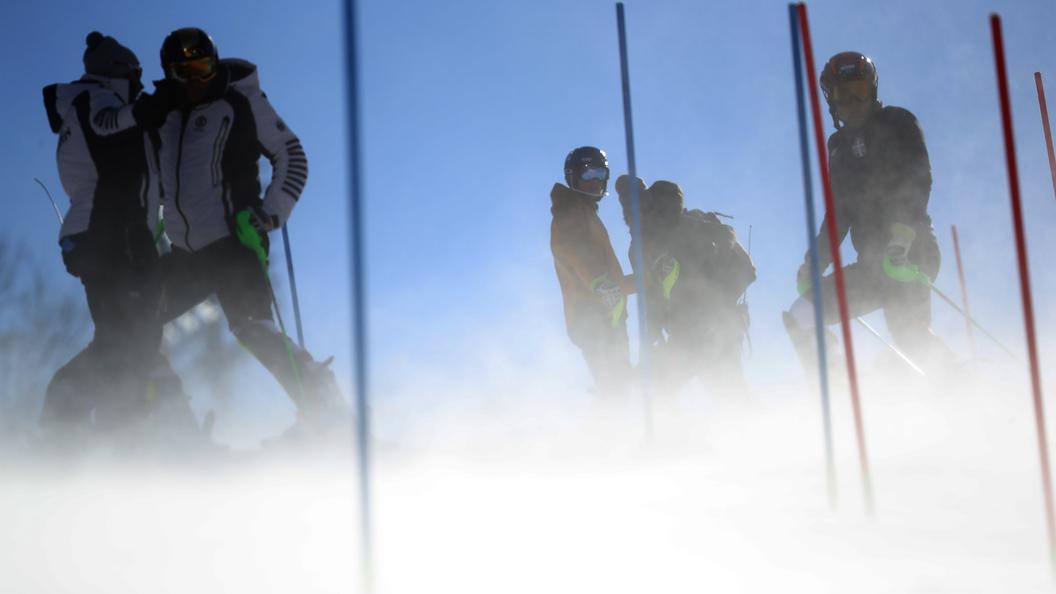Женский слалом на Олимпиаде перенесли на несколько дней из-за сильного ветра