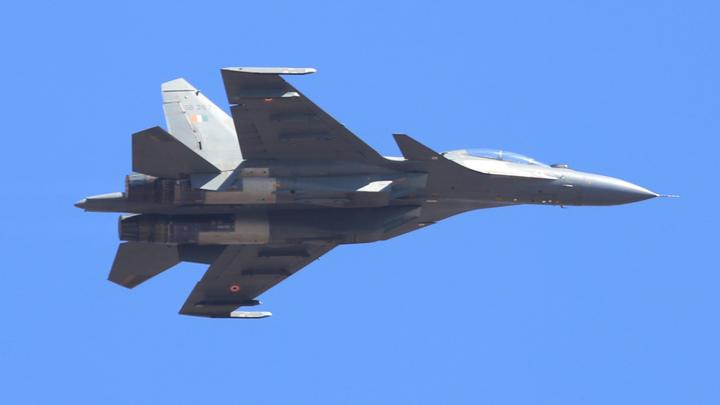Один Су-30 напугал сразу три самолёта США над Чёрным морем: Сразу же изменили направление полёта