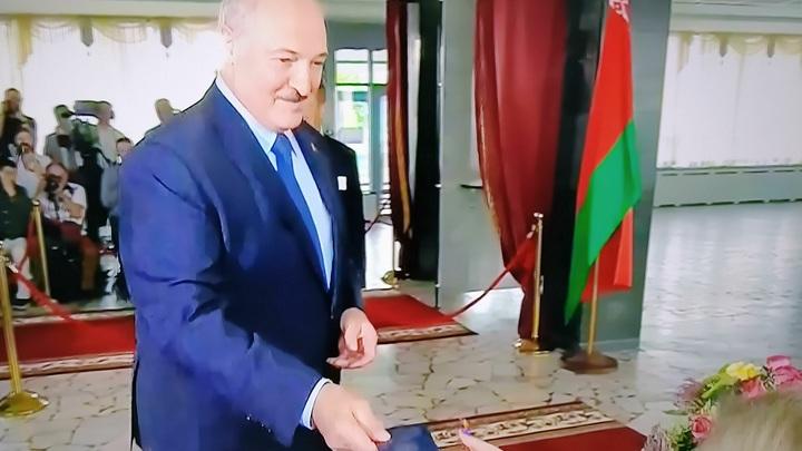 Для Тихановской - без шансов. Экзитпол сообщил об очевидной победе Лукашенко