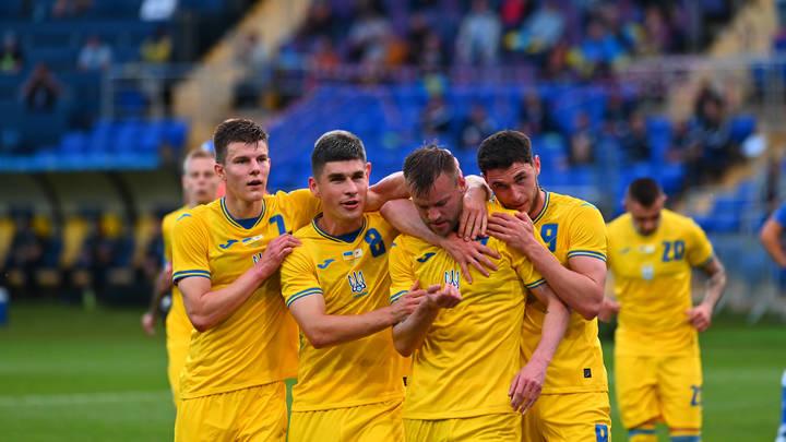 Спорт - не поле боя: Захарова посоветовала Украине геройствовать по-другому